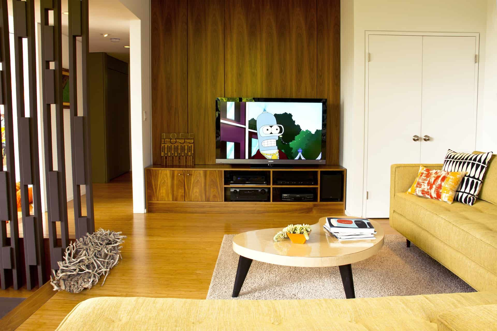 Redcliff_FamilyRoom1